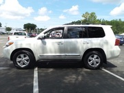 2013 land cruiser urgent sale white